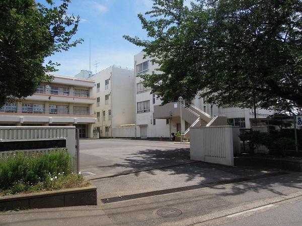 飯山満中学校 850m