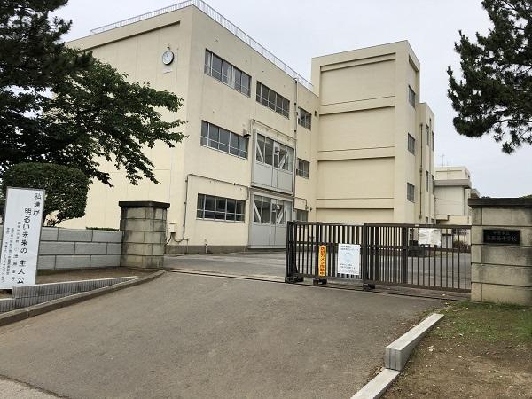 幕張西中学校 約450m