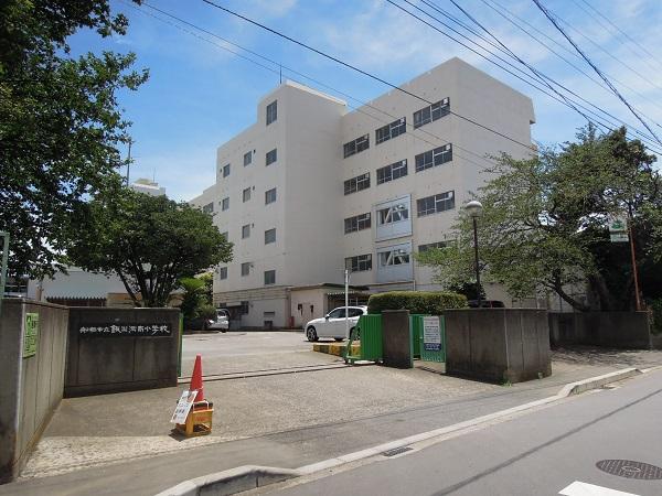 飯山満南小学校 700m